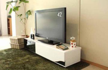 スリムで薄いテレビ台1