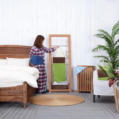 おしゃれな折り畳み式の木製室内物干し台5