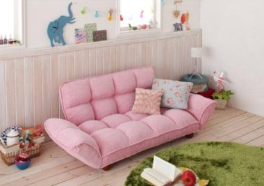 可愛いピンクのソファー2