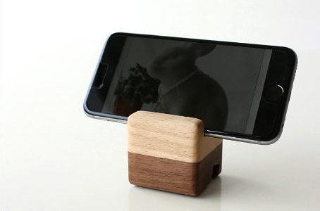 木製デザインがおしゃれな「ウッド スマホスタンド」おすすめ8選