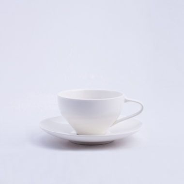 シンプルでおしゃれなデザインのティーカップ3