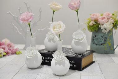 おしゃれな白基調の陶器製一輪差し花瓶6