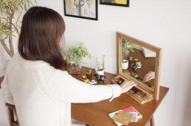 おしゃれで可愛い北欧風の木製卓上スタンドミラー3