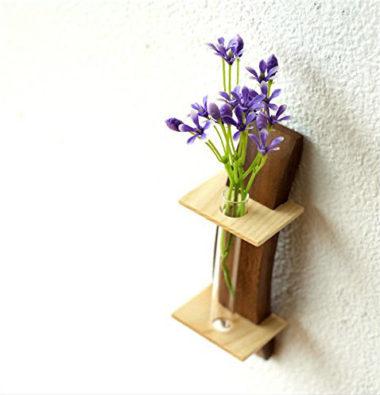 おしゃれな壁掛け木製一輪差し花瓶1