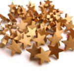 木製ゴールドスターサムタックプッシュピン