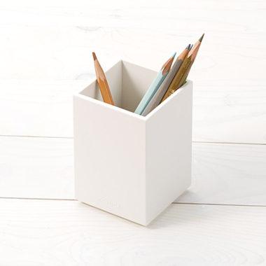 オフィスに合うシンプルおしゃれなペン立て2