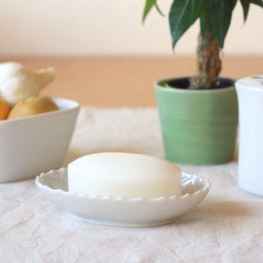 おしゃれな陶器の石鹸置き8