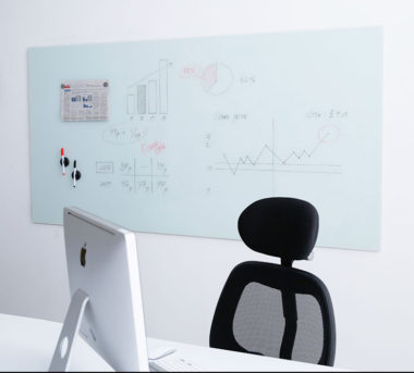 おしゃれなオフィス用ガラス・ホワイトボード4