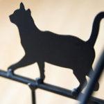 猫のマガジンラック ロートアイアン 黒猫のシルエットデザイン ショップ風 かわいい オシャレ リビ…