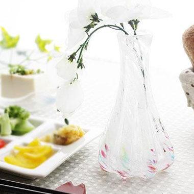 ガラス製のおしゃれな花瓶