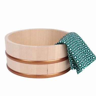 木製のおしゃれな風呂桶