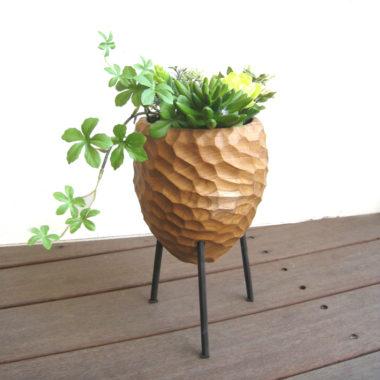 おしゃれな木製の鉢